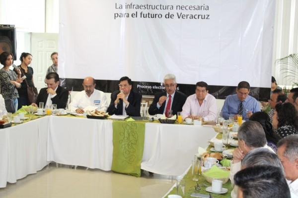 Méndez de la Luz: político debe tener  humildad