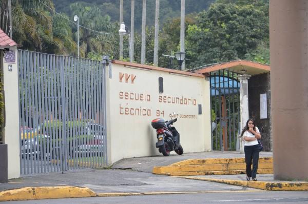 Registran secundarias de Veracruz faltantes de horas