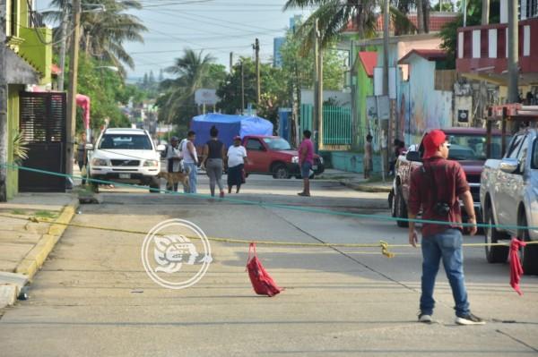 Bloqueo en Coatzacoalcos; exigen restablecimiento de energía eléctrica