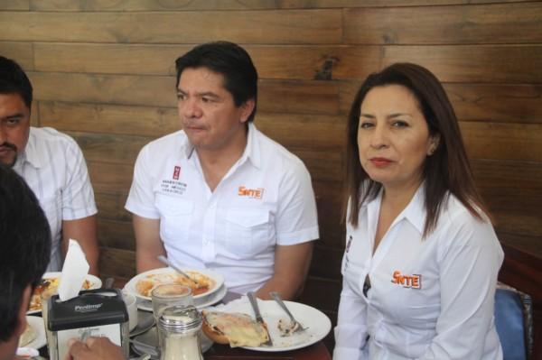 Maestros del SNTE-Veracruz no quieren a Elba de regreso