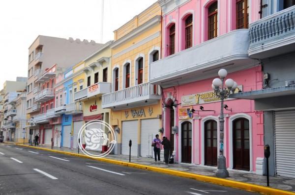 Hacer peatonal avenida Independencia, conveniente para comercios: Turismo
