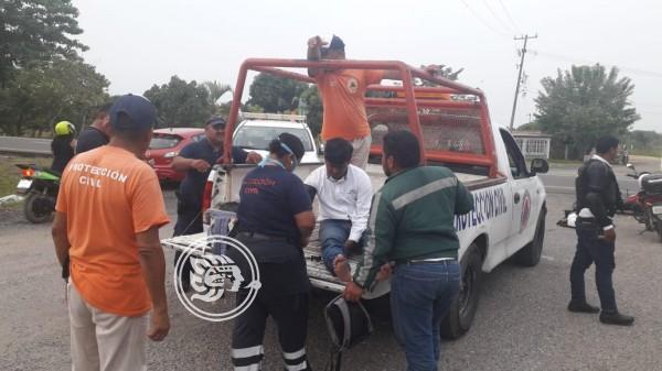 Atropellan a motociclista en carretera de Agua Dulce