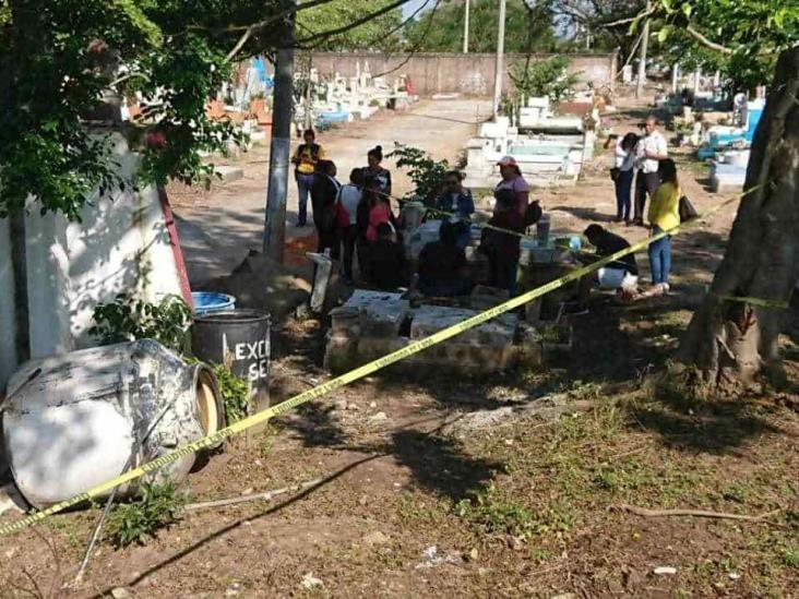 Comienza búsqueda de restos en terrenos del Semefo de Coatza